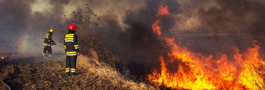 Extinction de feu de forêt